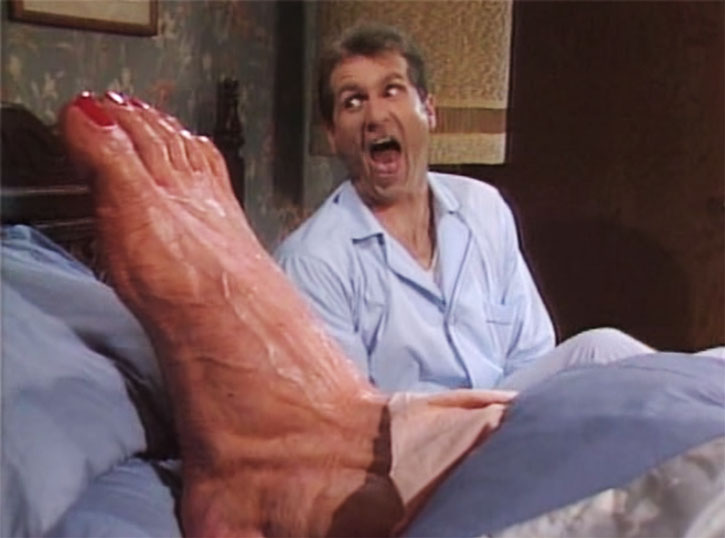 Al-Bundy-giant-foot-h.jpg