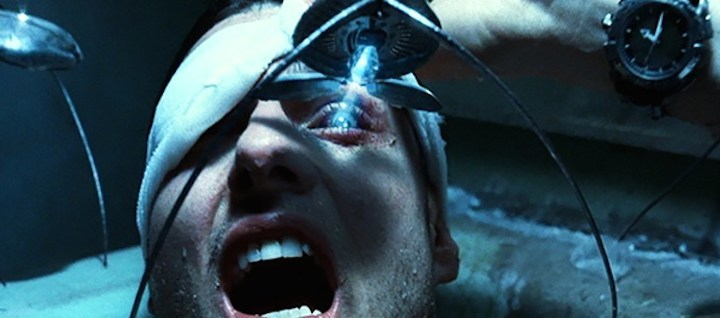 minority-report-2002-movie-tom-cruise-john-anderton-eye-surgery-spider-scene-probe-review.jpg