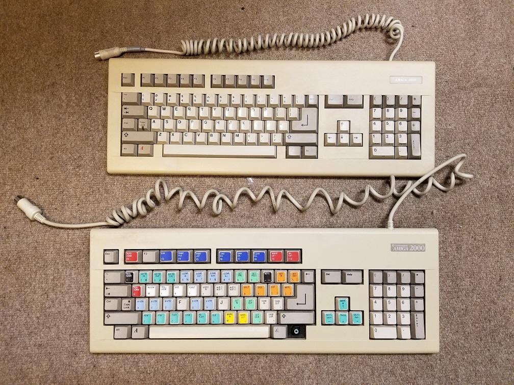 Amiga_2000_keyboards.jpg