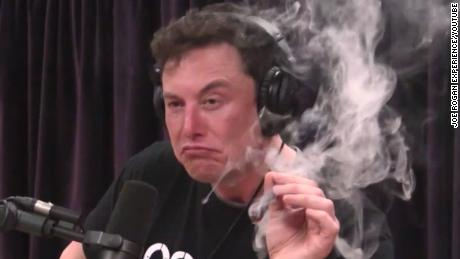 180907100732-elon-musk-smokes-marijuana-podcast-1-large-169.jpg
