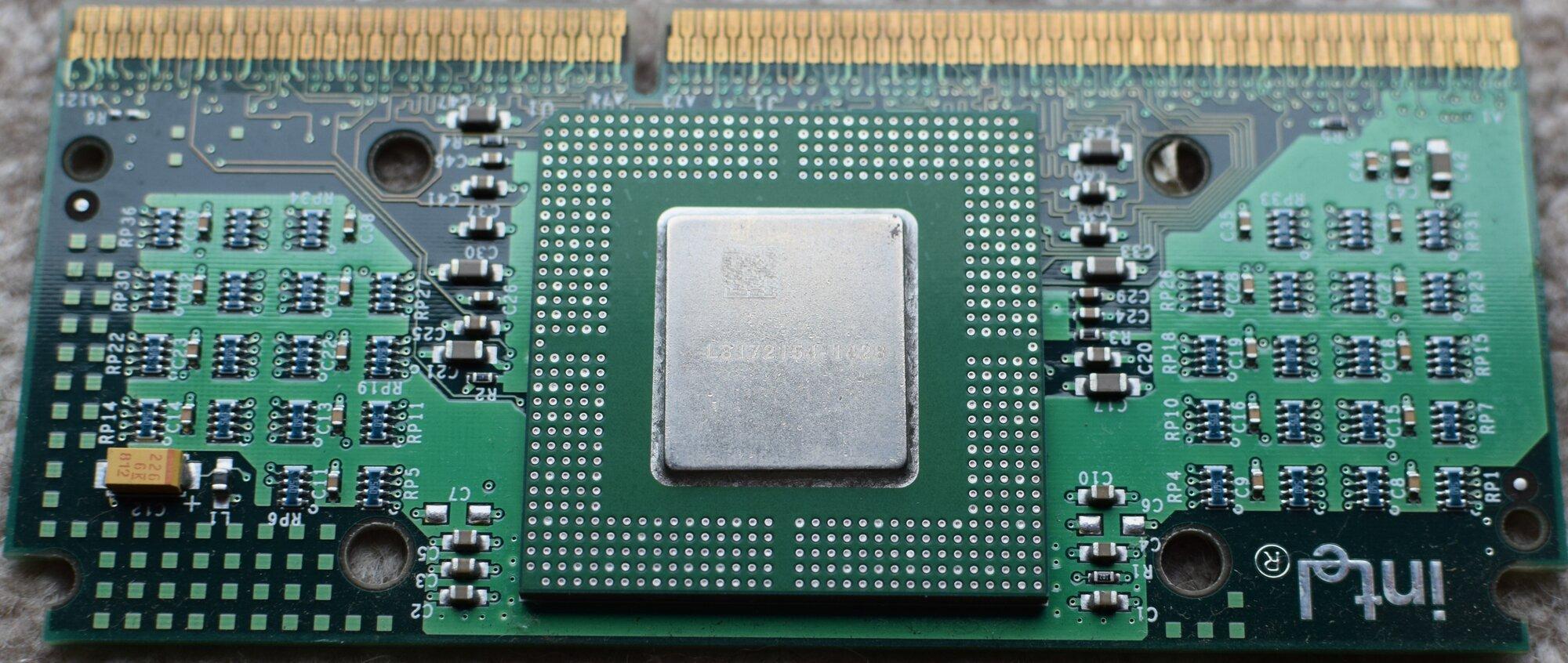 Intel slocket  soldered chip 266-66 front.JPG